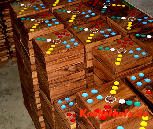 Pig game Pig Hole beautiful wooden box made of Samanea wood