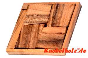 Possible Pack Puzzle Holz Legespiel in Holzbox mit den Maßen 11,5 x 10,2 x 1,4 cm samanea wooden brain teaser