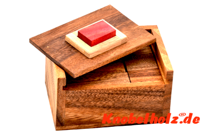 Red cube 2 wooden puzzle hide red block aus holz knobelspiel in den Maßen 11,5 x 8,0 x 6,8 cm samanea wooden brain teaser