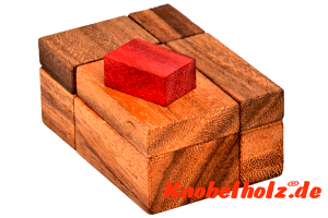 Red cube 2 wooden puzzle hide red block holzpuzzle knobelspiel in den Maßen 11,5 x 8,0 x 6,8 cm samanea wooden brain teaser